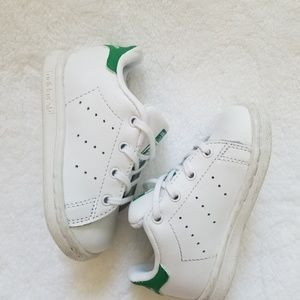 Shoes - ADIDAS STAN SMITH Originals Toddler shoes. size 5K